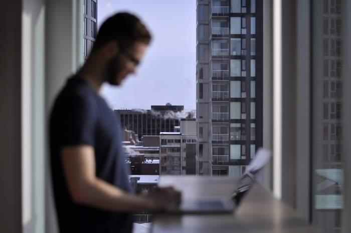 IT業界は給料が安い?⇨いや、むしろ高いです【稼げる業界であることをデータで証明】
