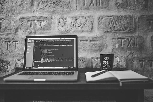 Web系エンジニアを目指す「おすすめの言語 1選」【自由に繋がる】